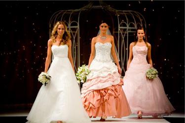 bridal-show-runway