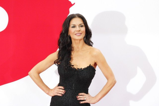 Catherine-Zeta-Jones-queen-america-casting-atlanta